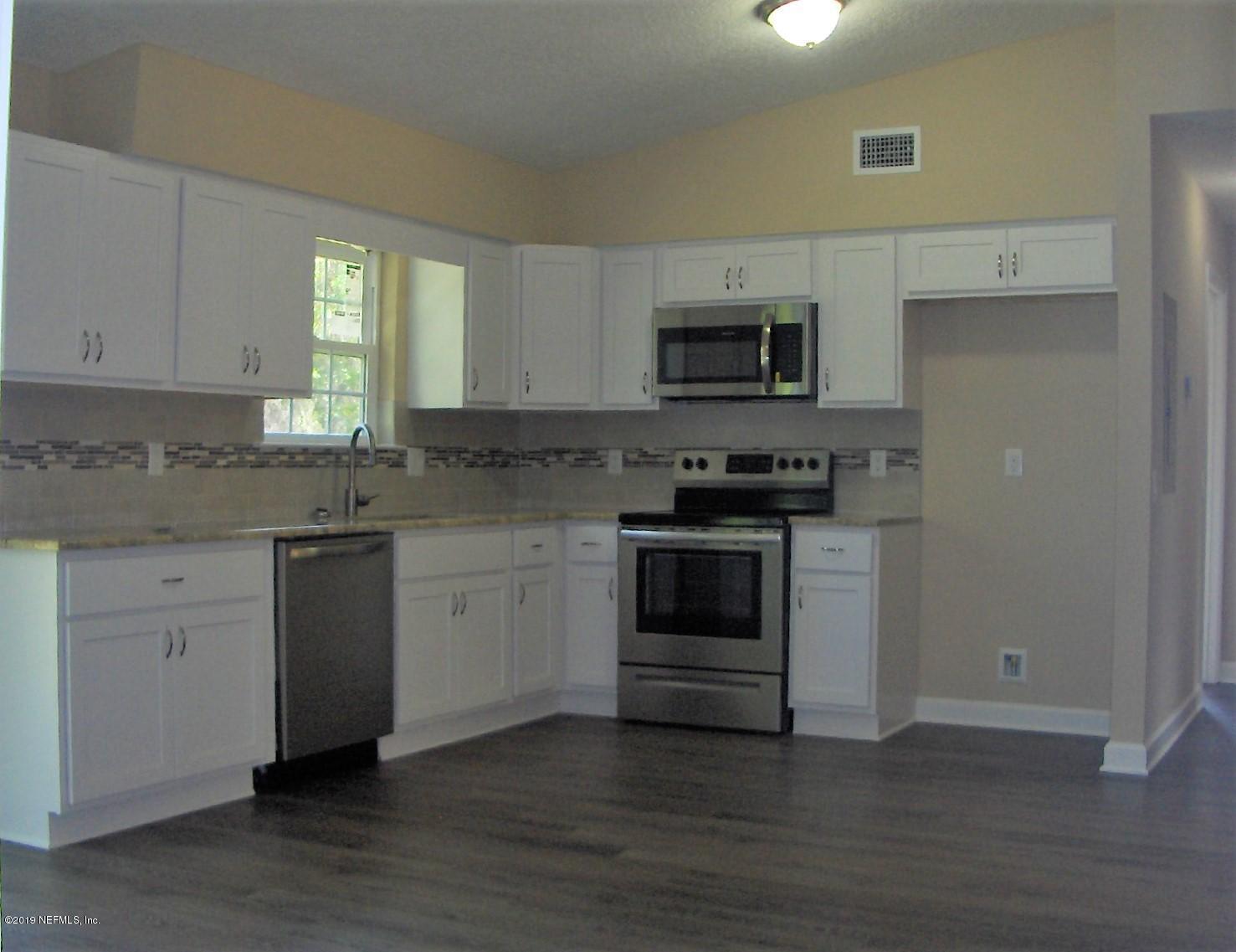 4122 APPALOOSA, MIDDLEBURG, FLORIDA 32068, 3 Bedrooms Bedrooms, ,2 BathroomsBathrooms,Residential - single family,For sale,APPALOOSA,970535