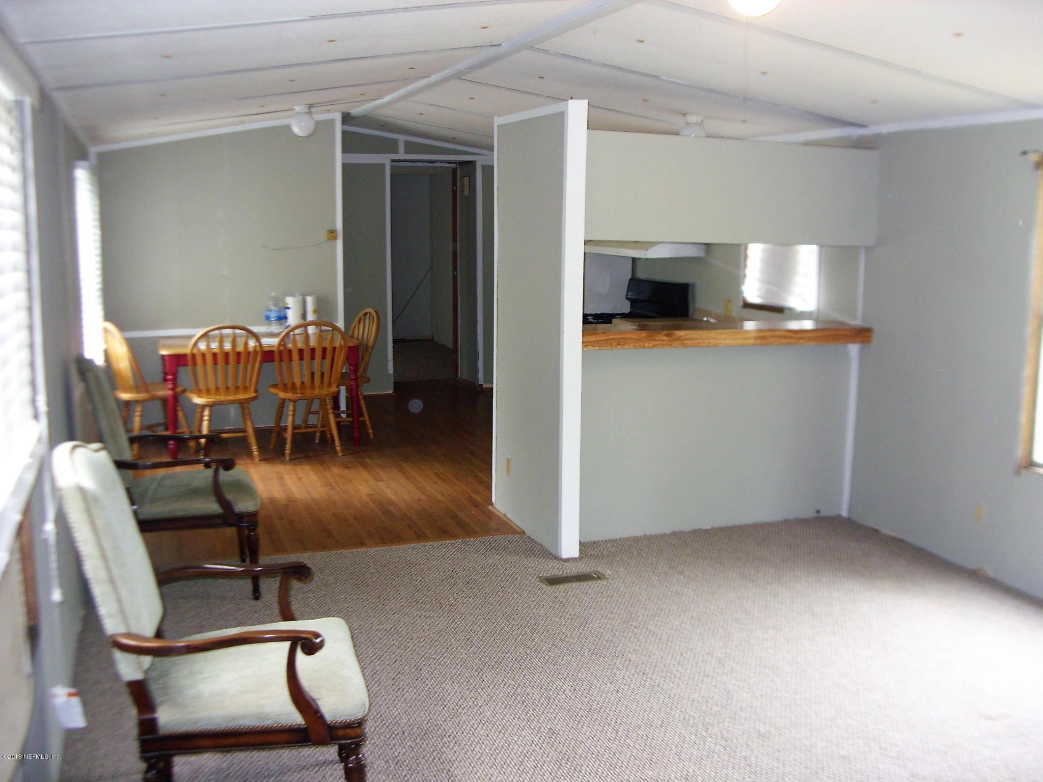 1038 BOB WHITE, MIDDLEBURG, FLORIDA 32068, 3 Bedrooms Bedrooms, ,2 BathroomsBathrooms,Residential - mobile home,For sale,BOB WHITE,985457