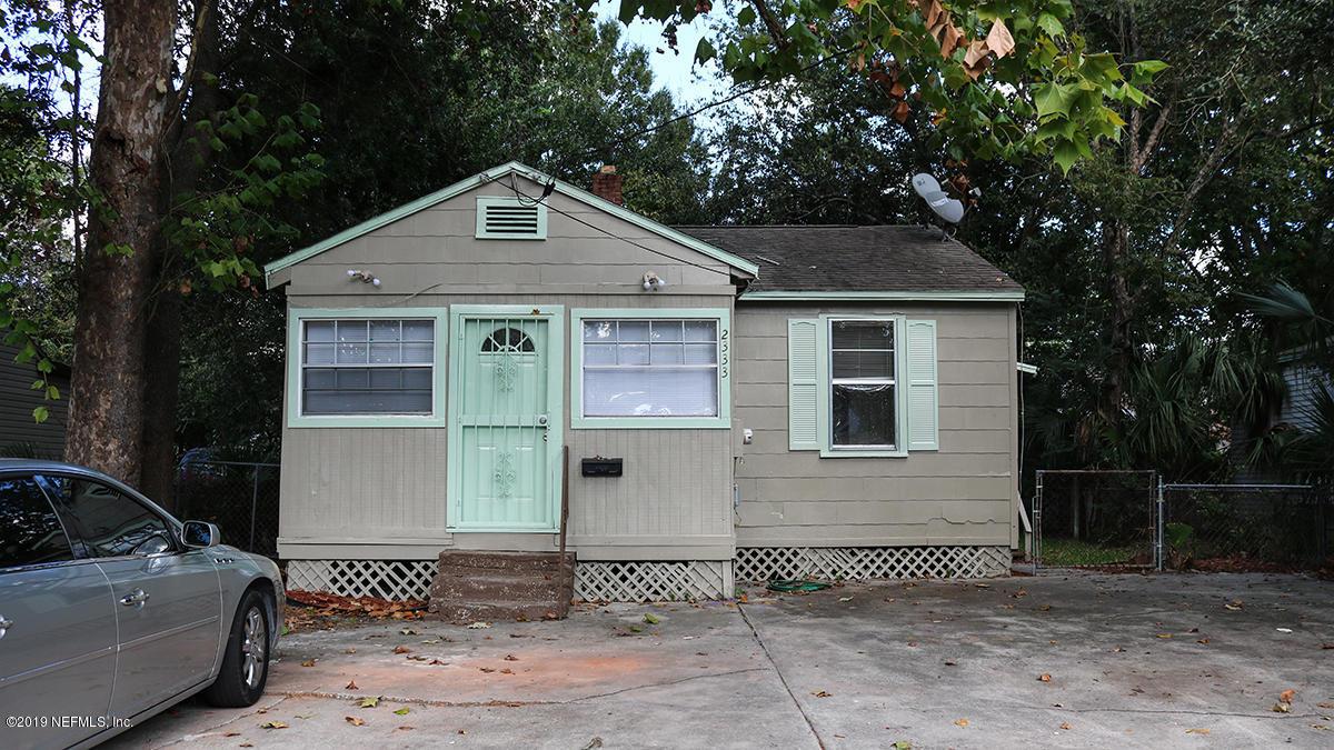 2333 Woodland St