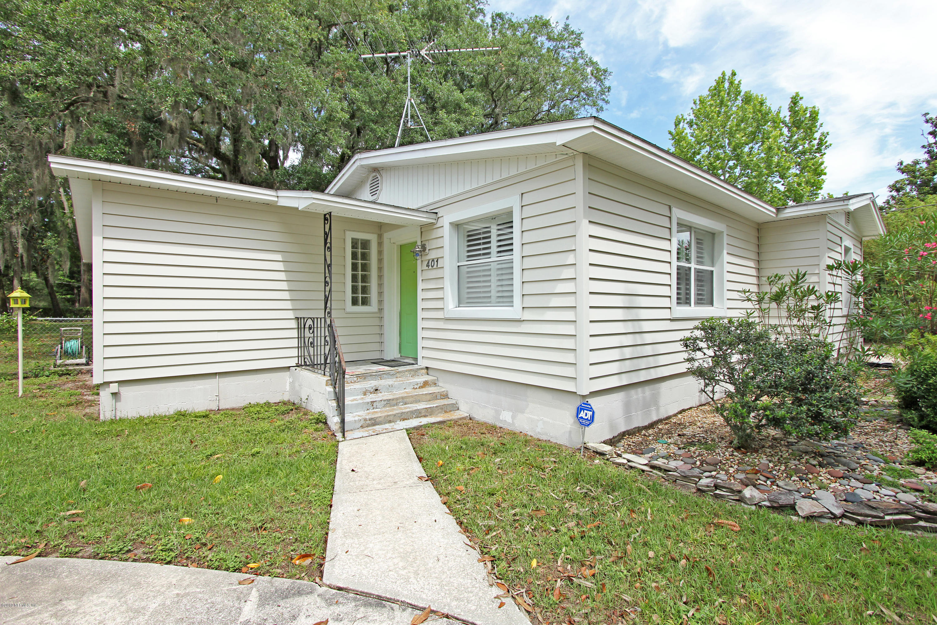 Photo of 401 RUSMOR, ORANGE PARK, FL 32073