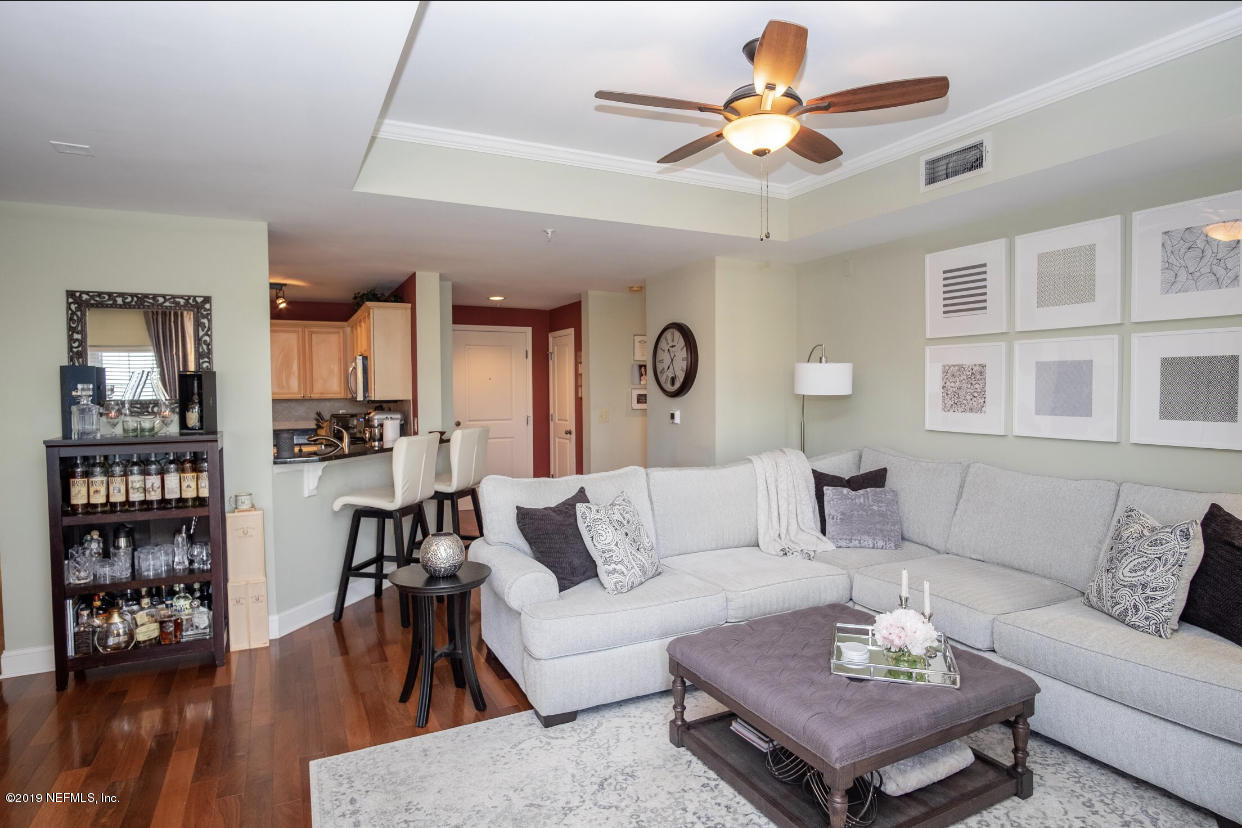 400 BAY, JACKSONVILLE, FLORIDA 32202, 2 Bedrooms Bedrooms, ,2 BathroomsBathrooms,Residential - condos/townhomes,For sale,BAY,994166