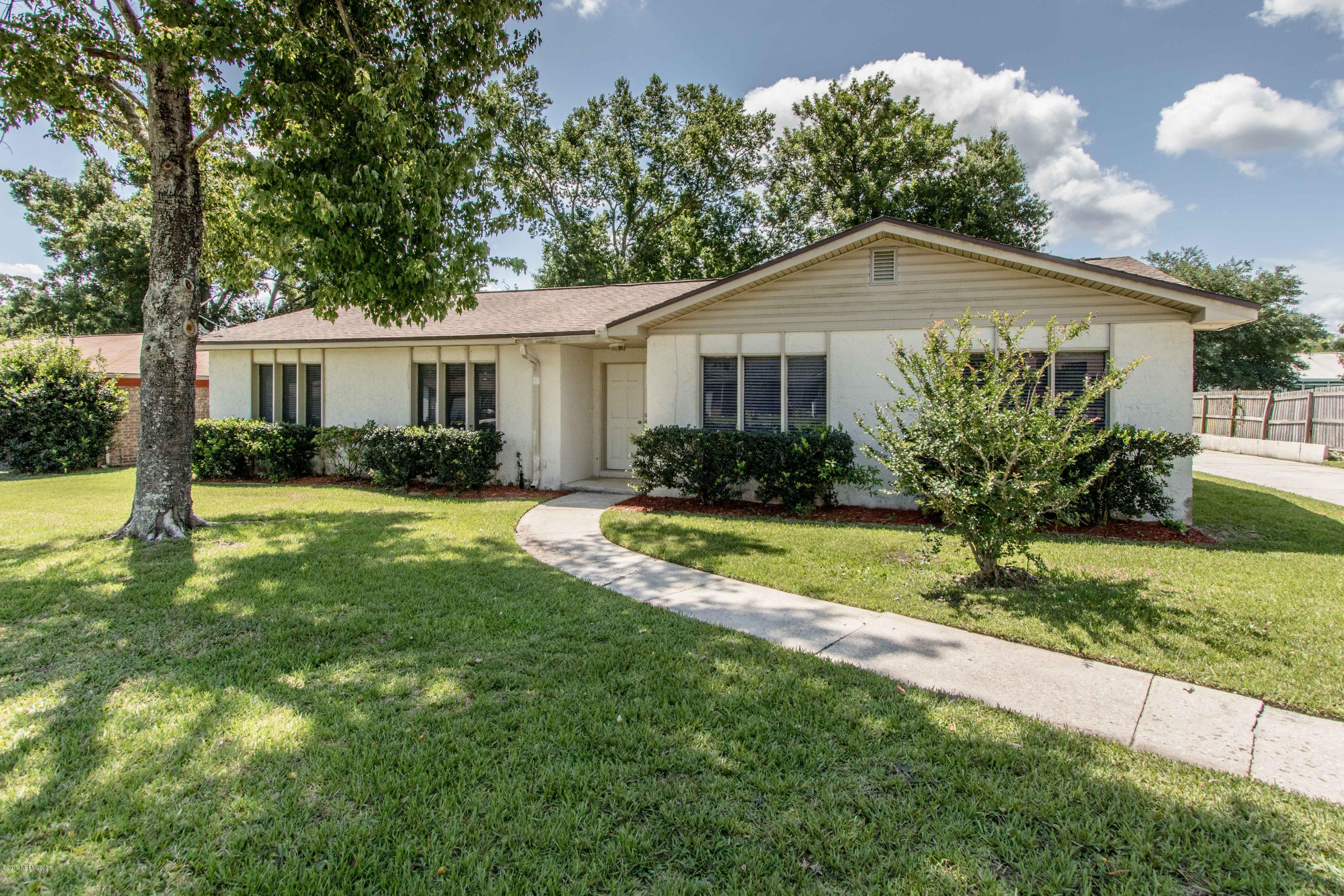 Photo of 5739 SPRINGHAVEN, ORANGE PARK, FL 32065