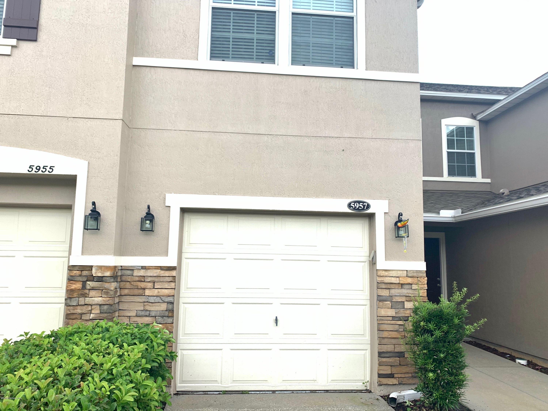 5957 Bartram Village Dr Jacksonville, FL 32258