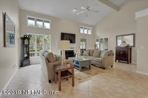 1 story living at its finest, soaring ceilings