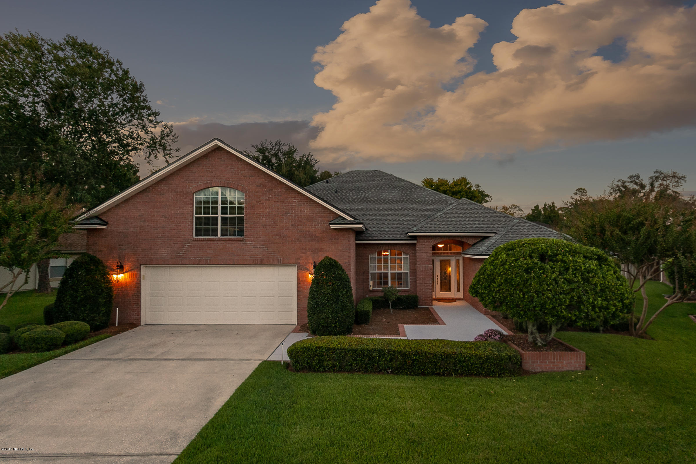 1808 Sentry Oak Ct