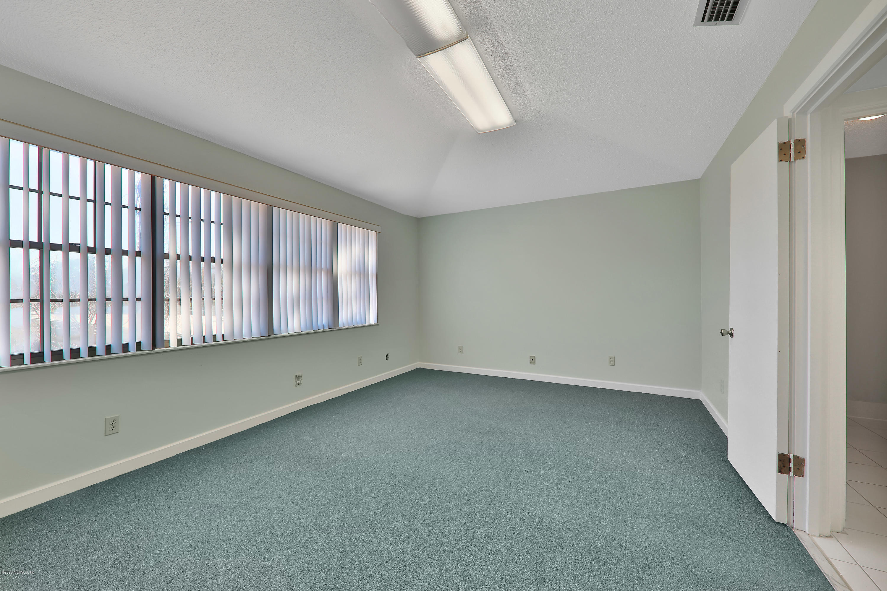 Image 6 of 35 For 4043 Baymeadows Rd