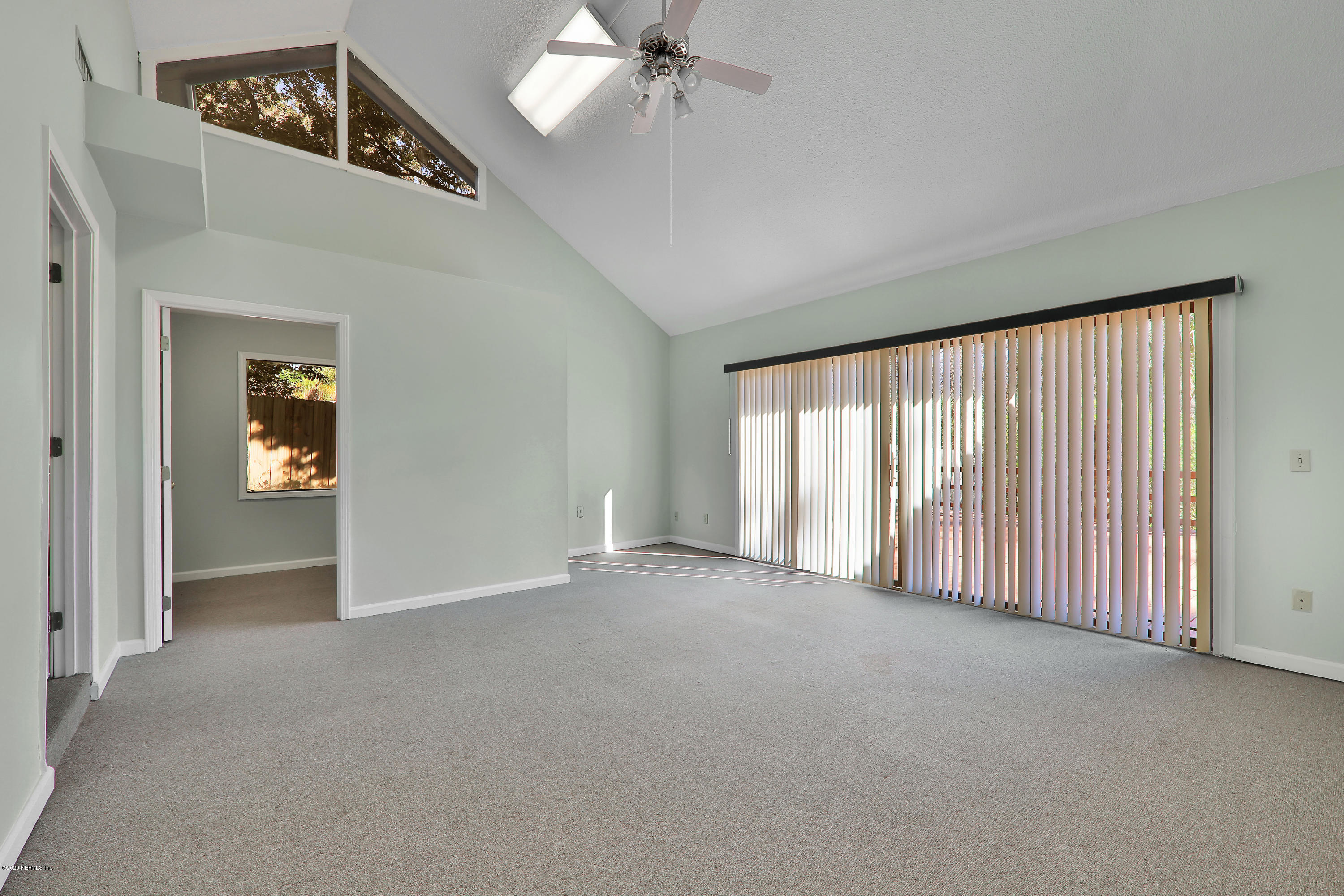 Image 10 of 35 For 4043 Baymeadows Rd