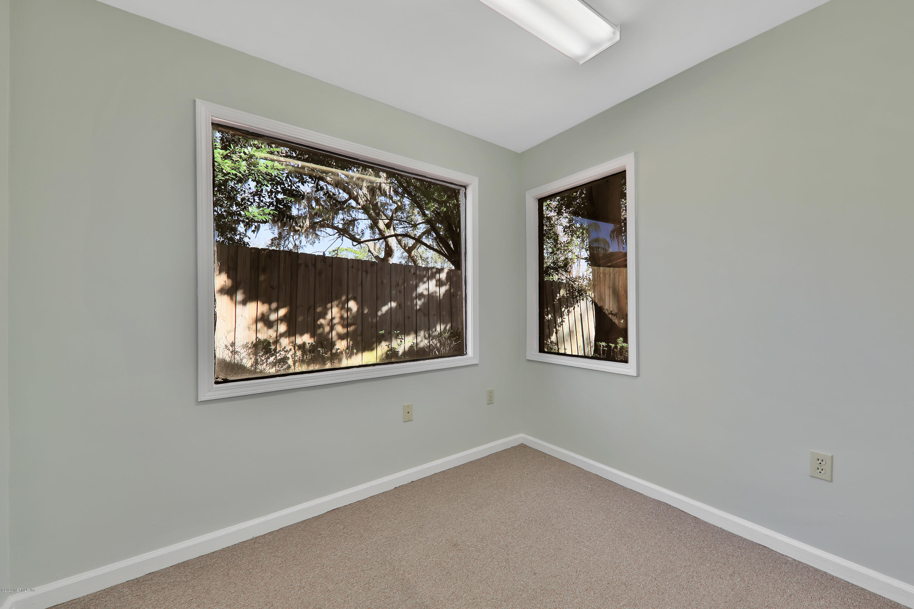 Image 11 of 35 For 4043 Baymeadows Rd