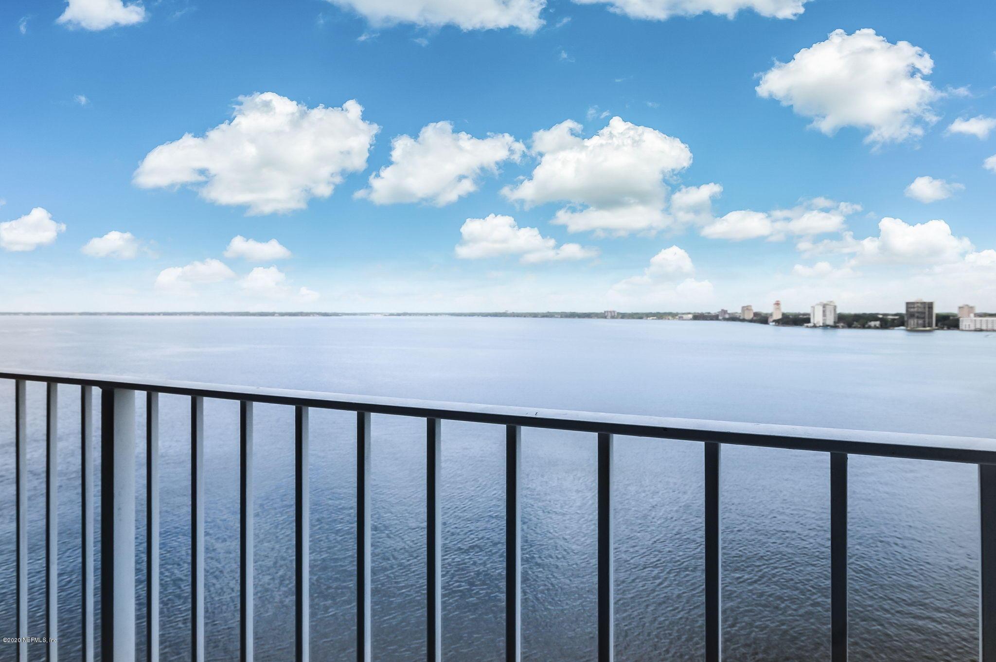 1591 Le Baron Ave Jacksonville, FL 32207