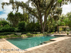 Very private backyard Oasis