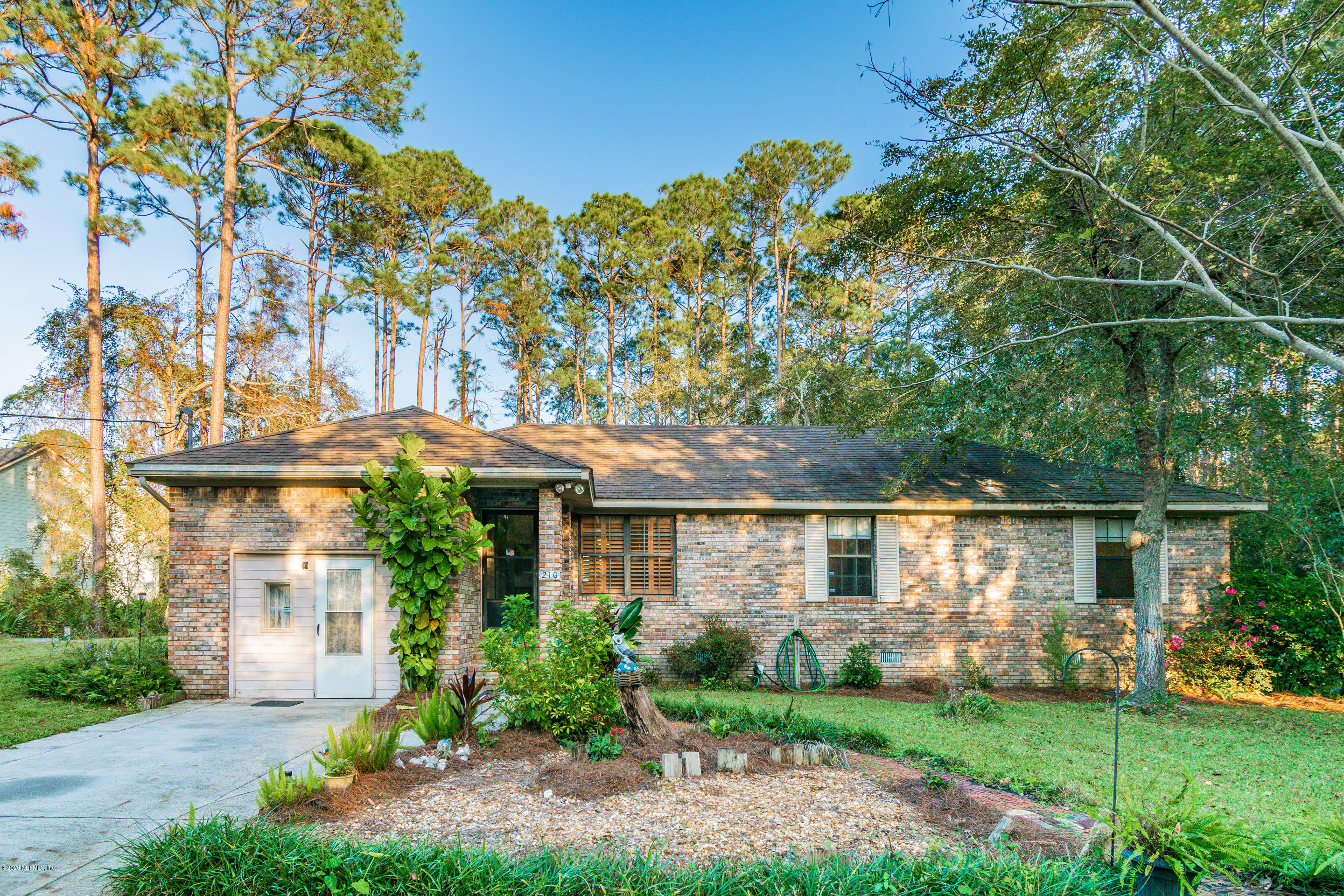 Image 3 of 38 For 96068 Piney Island Dr