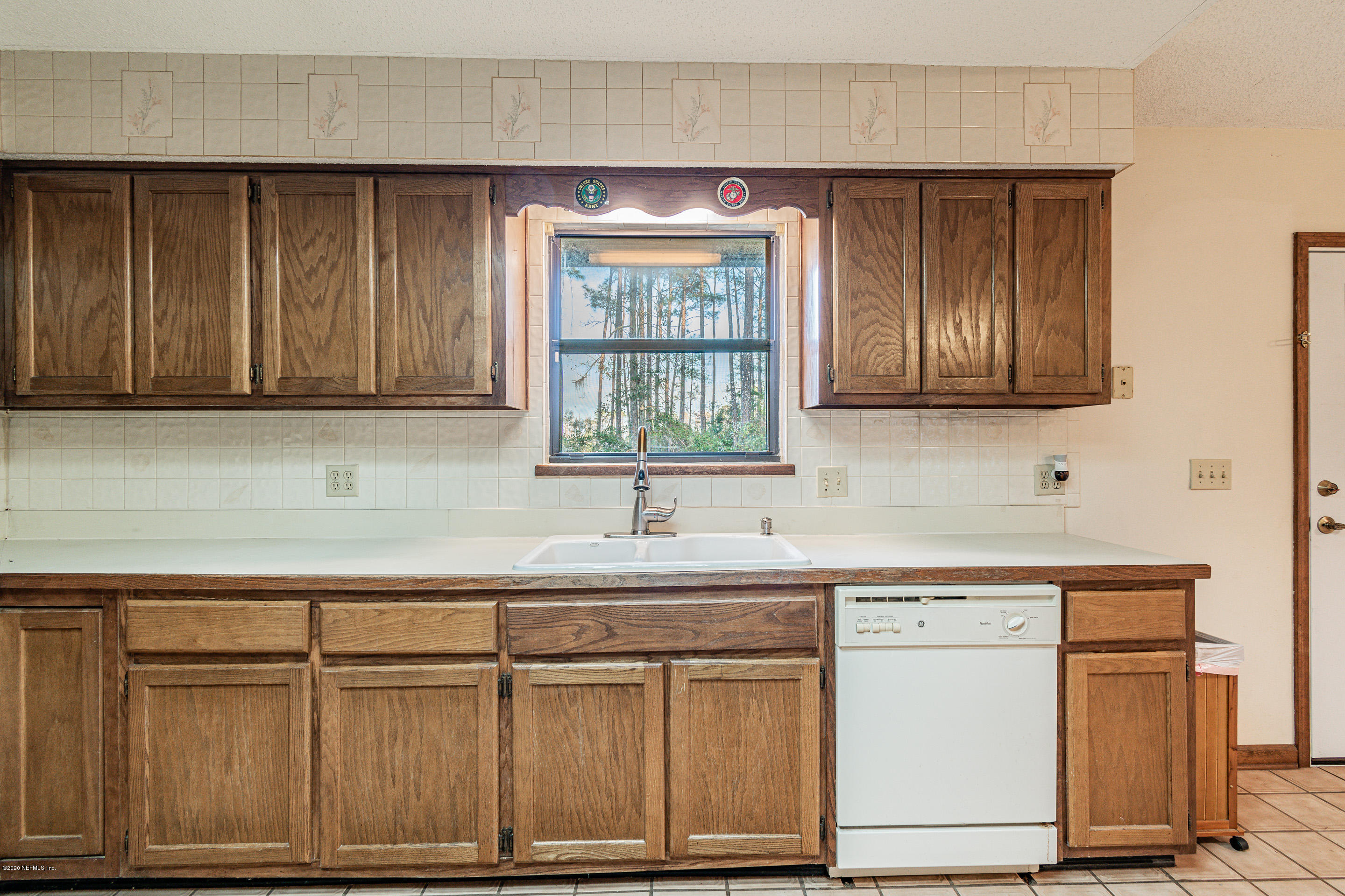 Image 12 of 38 For 96068 Piney Island Dr