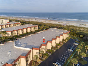 Oceanfront building, southern exposure and plenty of parking.