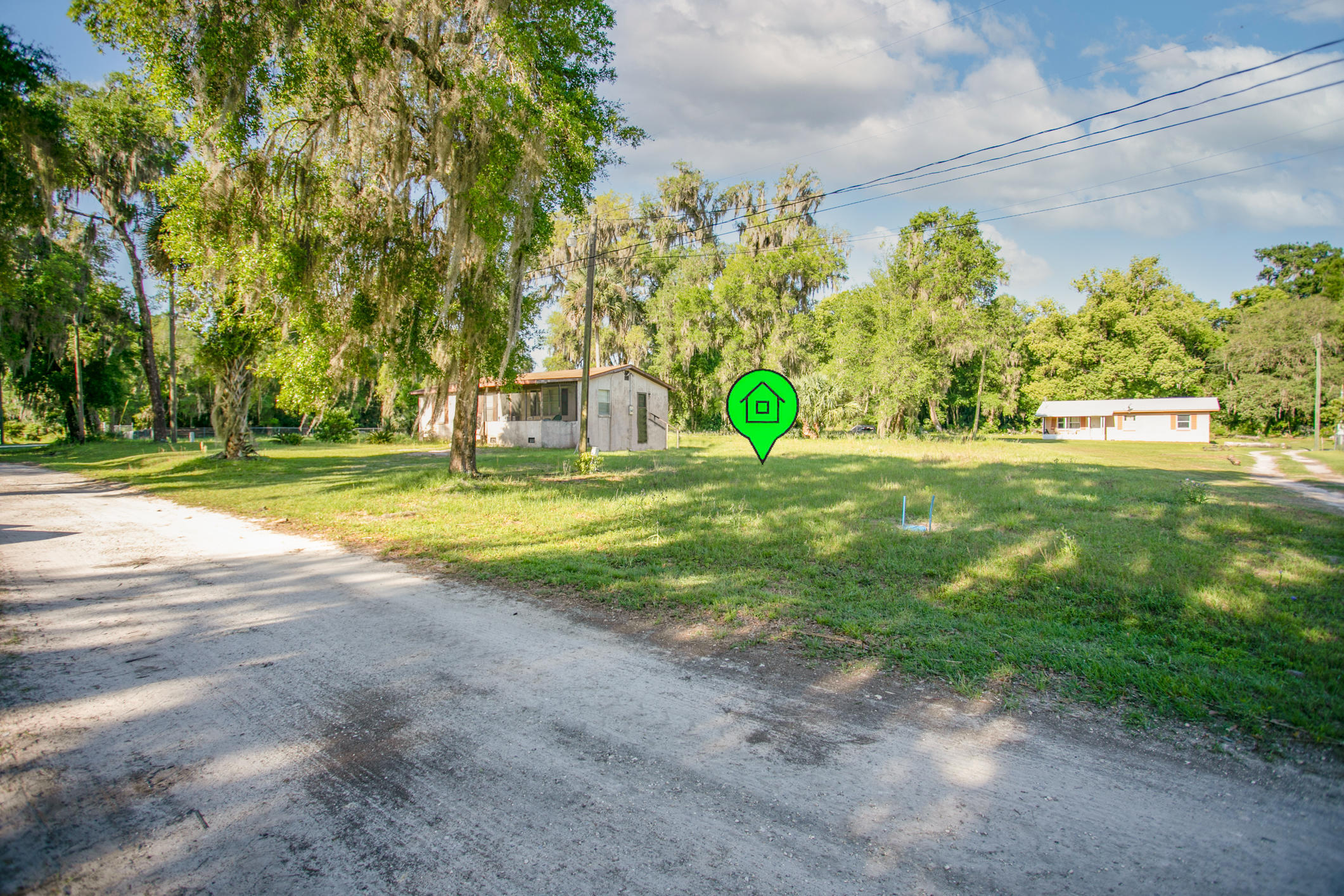 Located on the western side of the town of Welaka, FL. This lot is offers the opportunity to build your next vacation home or permanent get away. Just a minutes from the Boat ramp which offers Excellent Fishing/boating activities on the St. Johns River and a quite community setting.