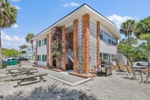 200 HOPKINS ST, NEPTUNE BEACH, FL 32266