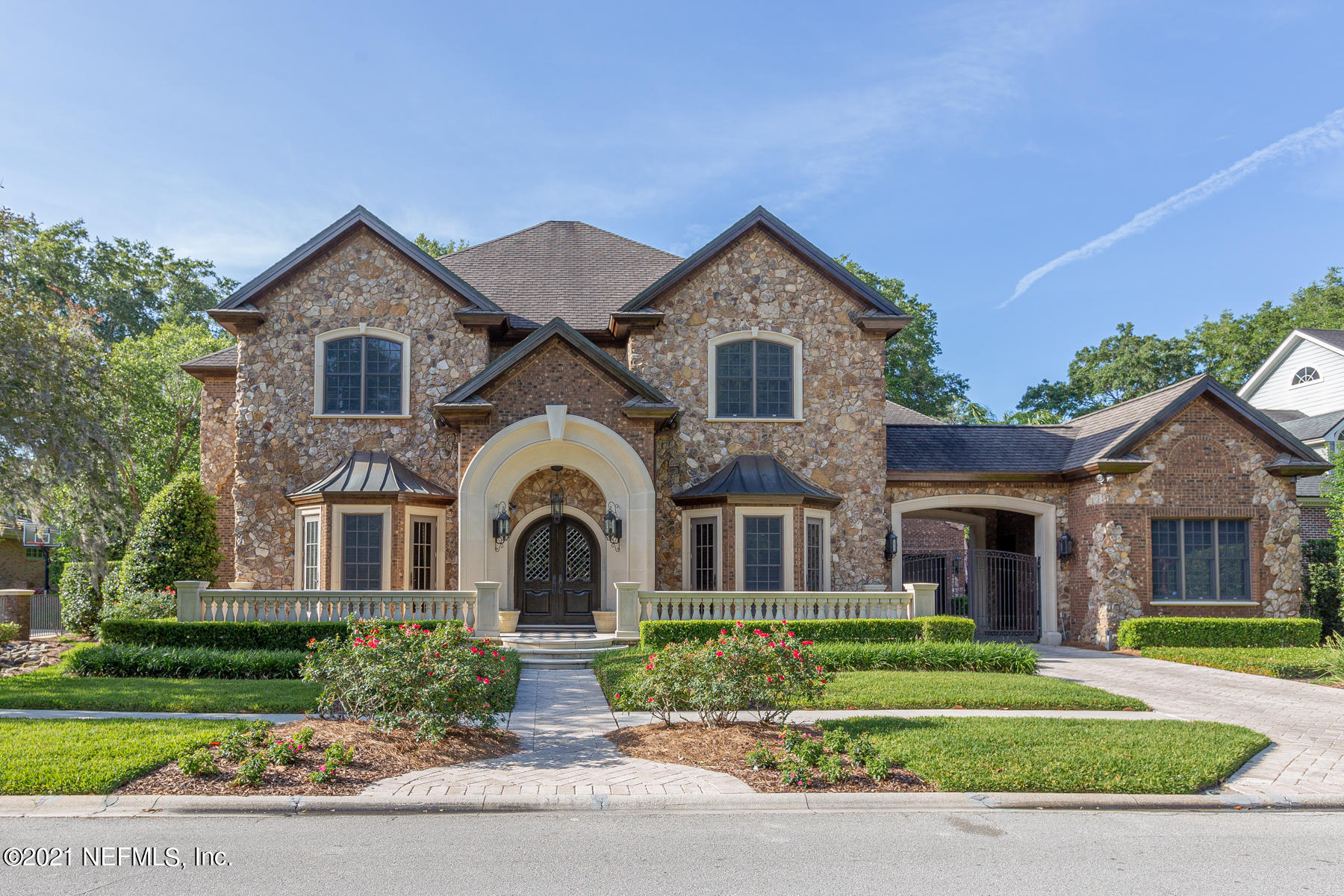 Magnificent custom built pool home with outstanding attention to detail. Detailed spec sheet to follow.