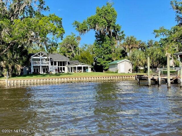 ONE OF THE BEST LOCATIONS ON ROSCOE BLVD!  100' ON ICW (400' deep), with left center dock in place which is no longer acceptable and approximately 7' longer than other docks.  Seller is including a decorating allowance of $100,000.00 to update the home and property to match your needs.   Hurry this one won't last.