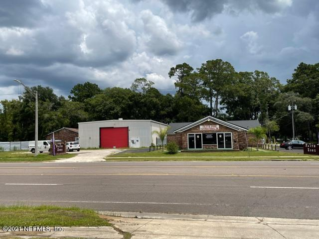 2 COMMERCIAL BUILDINGS PLUS 3,7222 +/- ACRES. BUILDING 1 IS BEING USING AS AN OFFICE BUT CAN BE USED AS A WAREHOUSE, CAR REPAIR, STORAGE, ETC. TOTAL ACRES 3,7222 IS BEING USED FOR CAR STORAGE. TOTAL BUILDING 12,985 SQFT 3 OTHER BUILDINGS HAVE NO VALUE. DON'T MISS THIS PERFECT OPPURTUNITY TO INVEST. BEING SOLD AS-IS WHERE-IS.