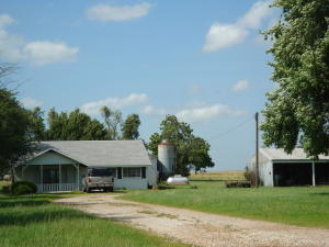 636 E EARL AVE, Welch, OK 74369