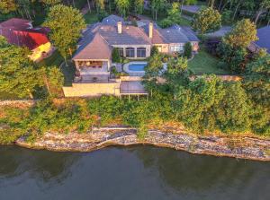 Elegant Grand Lake Home