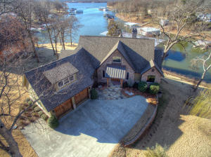 Private Home with Fabulous View of Grand Lake