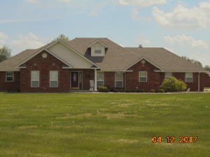 201 Canary Ln, Commerce, OK 74339