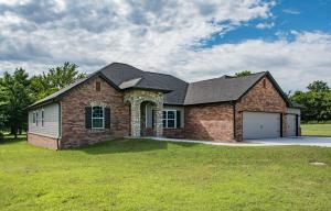 4928 Lost Cove Rd, Grove, OK 74344