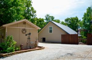 353 Private RD 60, Eucha, OK 74342