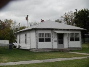 109 N Walnut St, Commerce, OK 74339