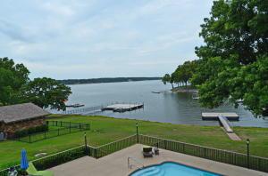 12 - Lake View