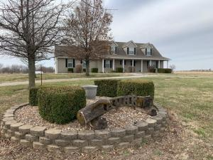 8525 Gray Rd, Thayer, KS 66776
