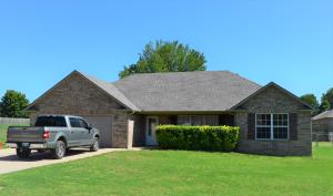 506 Howard Loop, Grove, OK 74344