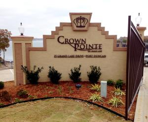 Welcome to Crown Pointe