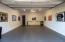 Garage, Tiled floor, refreshment center and ice maker