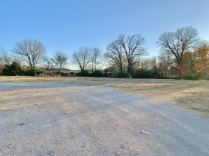 200 block W state park rd, Grove, OK 74344