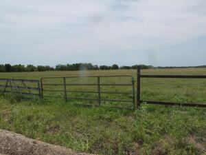 E 210 road, Fairland, OK 74343