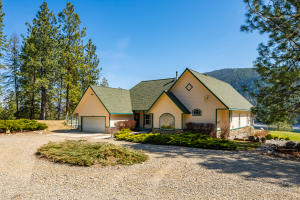3293 CHINA BEND RD, KETTLE FALLS, WA 99141