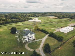 9313 Greenfield Farm Rd, Scottsville, VA 24590