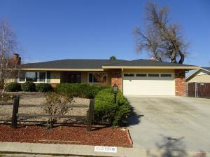 1518 Fairway Drive, Paso Robles, CA 93446