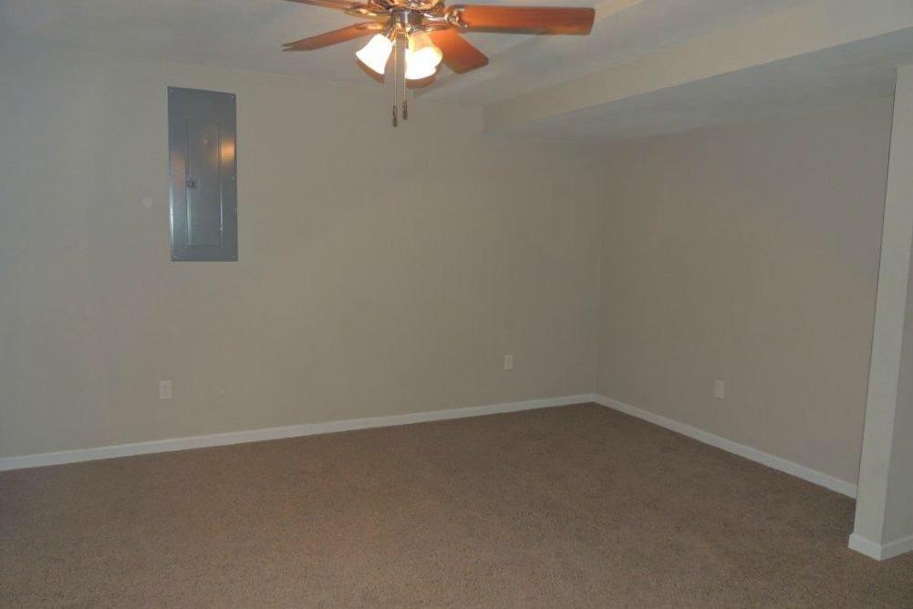 517 DAVIS ST, Maryville, Missouri 64468, 4 Bedrooms Bedrooms, ,3 BathroomsBathrooms,Residential,DAVIS,4445