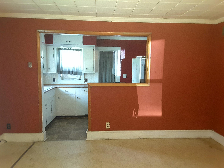 601 E WARREN ST, Hopkins, Missouri 64461, 2 Bedrooms Bedrooms, ,2 BathroomsBathrooms,Residential,WARREN,4478