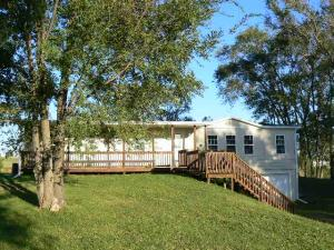 27584 242ND ST, Maryville, MO 64468