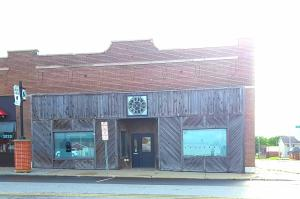 422 N MAIN Street, Maryville, MO 64468