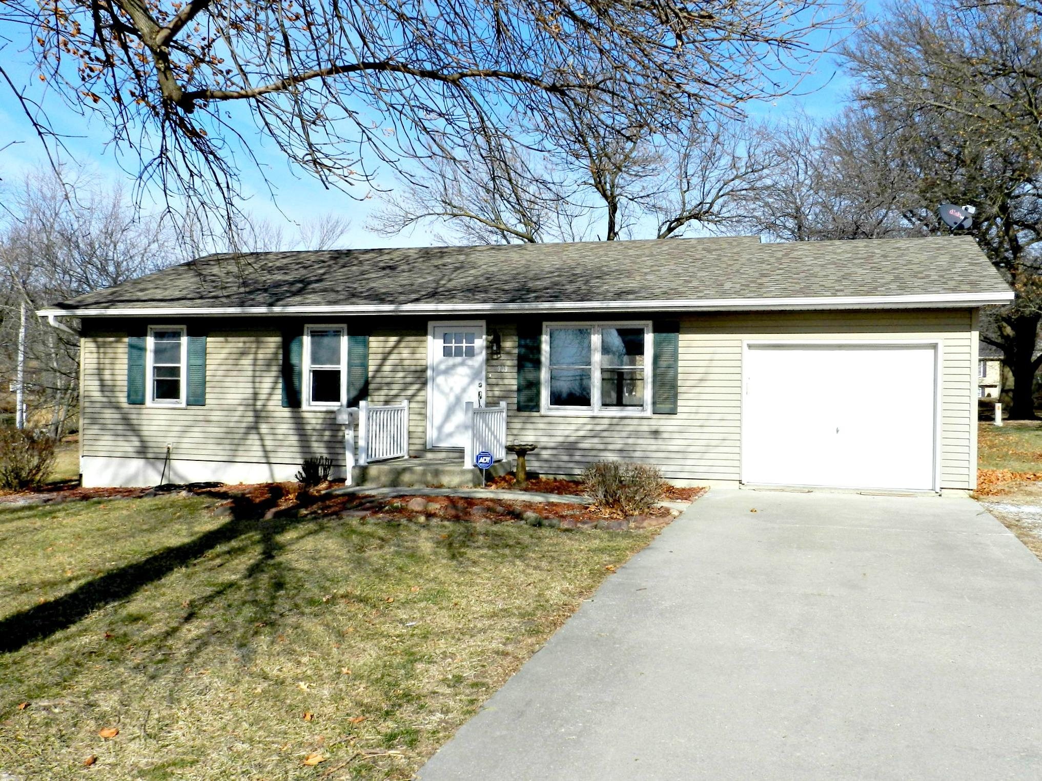 309 W SOUTH AVE, Maryville, Missouri 64468, 4 Bedrooms Bedrooms, ,2 BathroomsBathrooms,Residential,SOUTH,4632