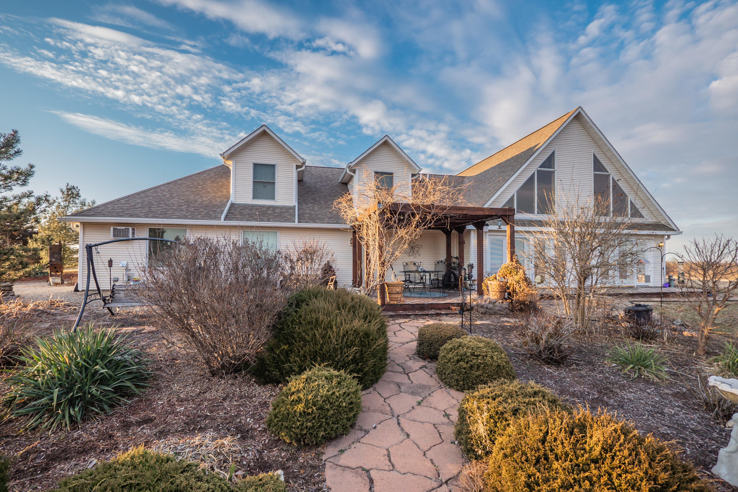 23540 LAKEVIEW RD, Maryville, Missouri 64468, 4 Bedrooms Bedrooms, ,3 BathroomsBathrooms,Residential,LAKEVIEW,4630