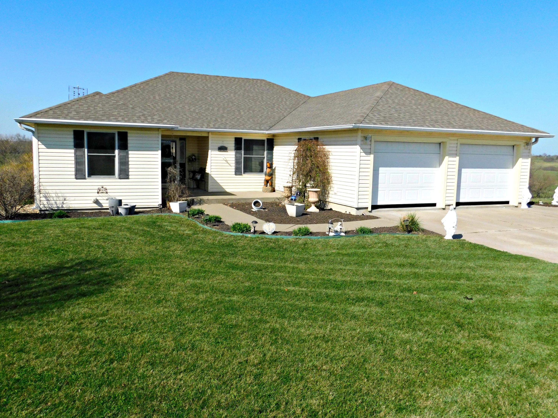 27229 ROLLING HILLS Drive, Maryville, Missouri 64468, 6 Bedrooms Bedrooms, ,3 BathroomsBathrooms,Residential,ROLLING HILLS,4636