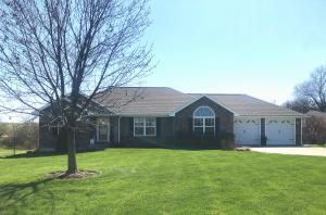 27826 S SCOUT RIDGE Drive, Maryville, MO 64468