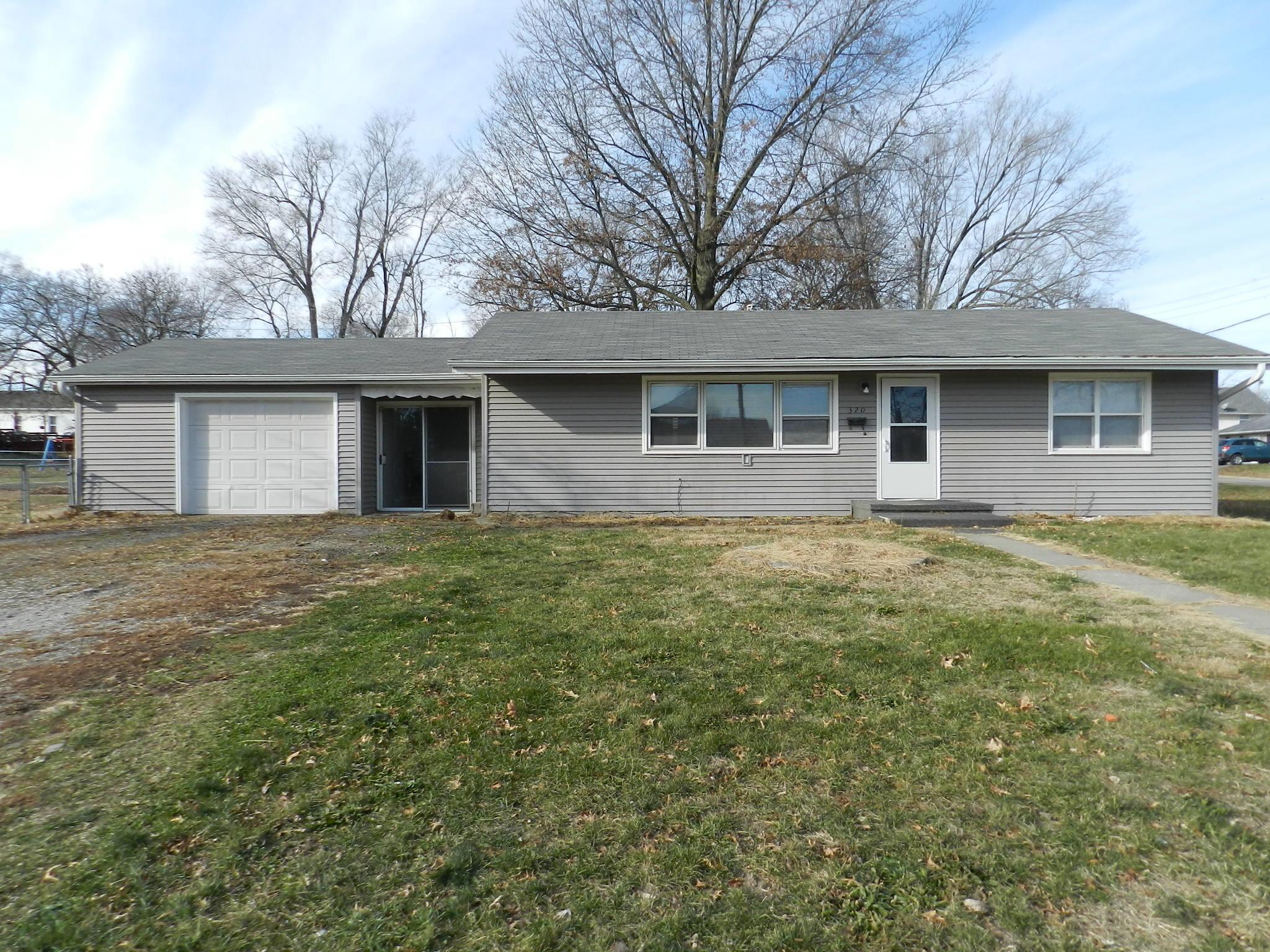 320 ALVIN Street, Maryville, Missouri 64468, 3 Bedrooms Bedrooms, ,2 BathroomsBathrooms,Residential,ALVIN,4894