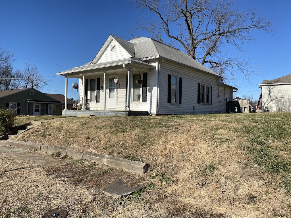 423 W 6TH Street, Maryville, Missouri 64468, 2 Bedrooms Bedrooms, ,1 BathroomBathrooms,Residential,6TH,4914