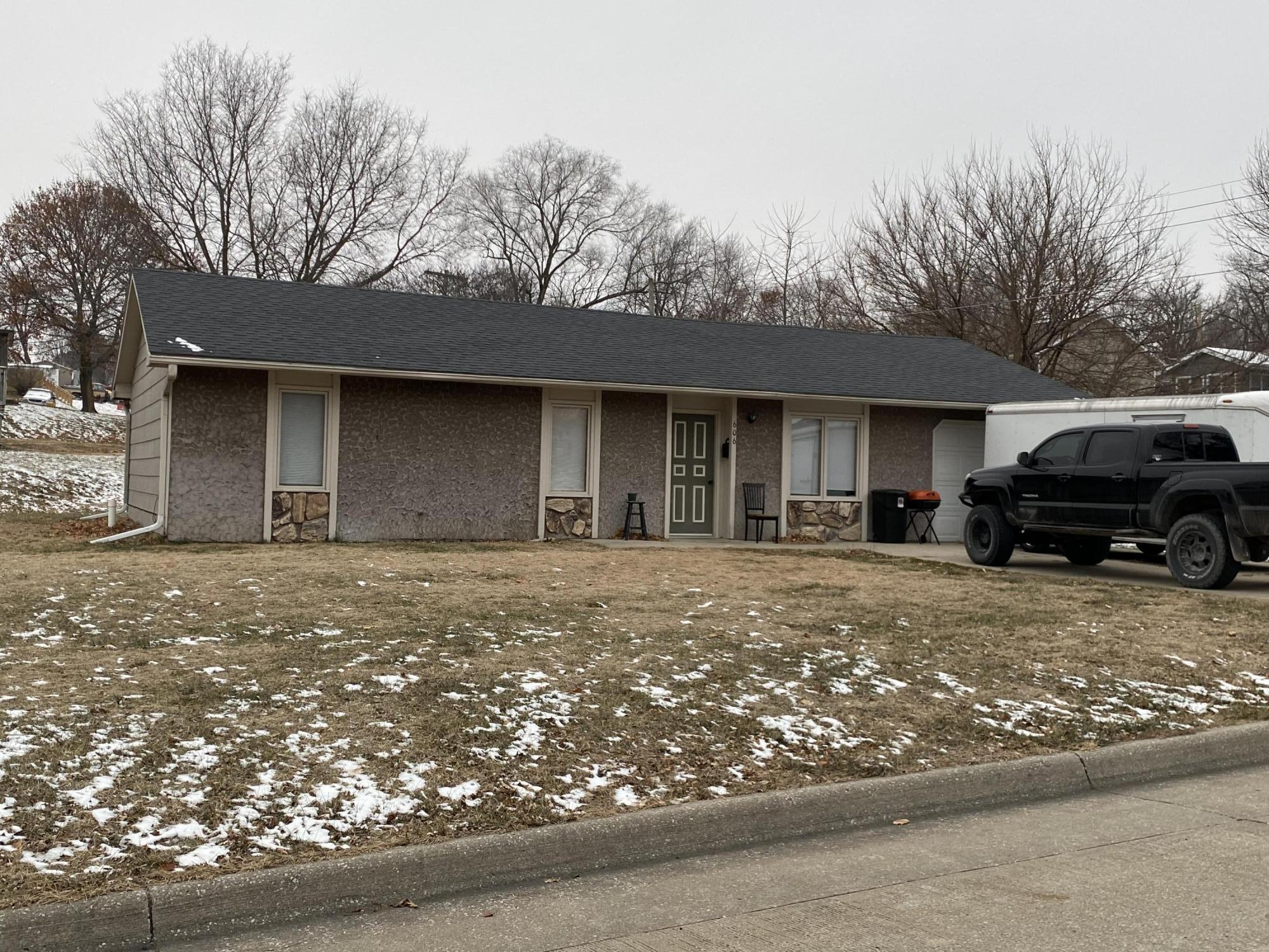 606 PRAIRIE Street, Maryville, Missouri 64468, 3 Bedrooms Bedrooms, ,1.5 BathroomsBathrooms,Residential,PRAIRIE,4928